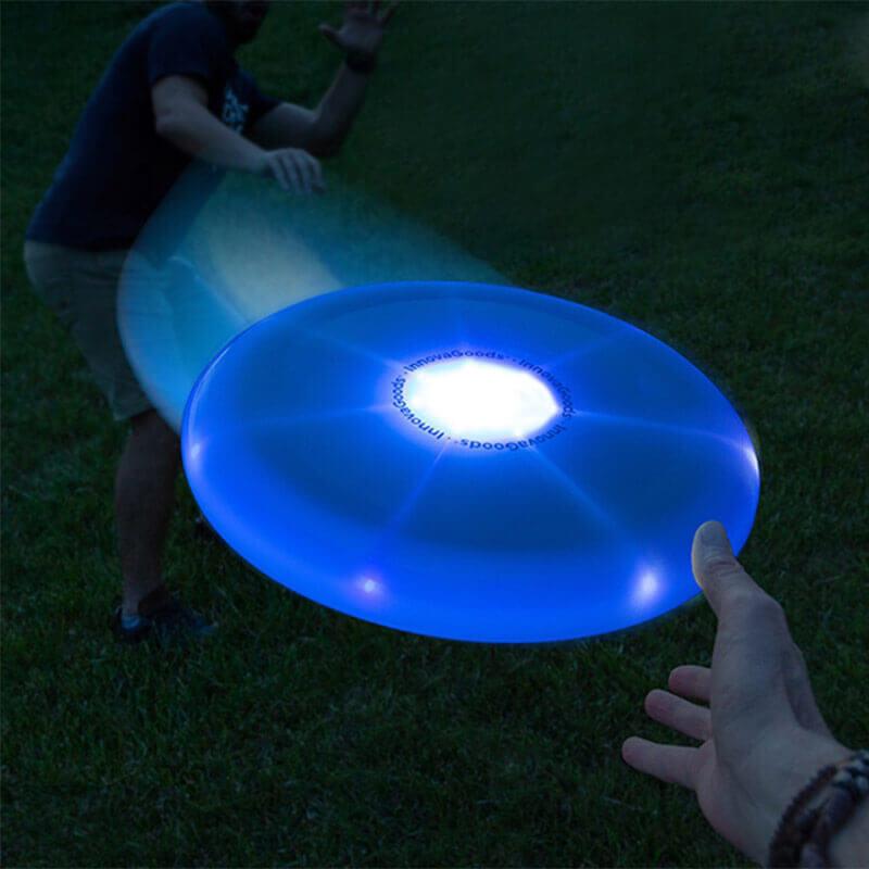 Frizbi z večbarvno LED lučko